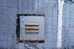 一个被镶板的地板的墙壁的透气房子 使用连续被堆积的瓦片 图库摄影