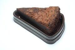 一个被隔绝的巧克力蛋糕 免版税库存图片