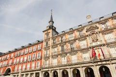 一个装饰的门面和阳台Palza市长的,马德里,西班牙的细节 免版税库存图片
