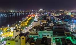 一个角落芹苴市平安的夜城市 免版税库存照片
