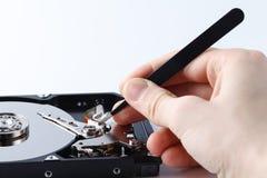 一个计算机光盘的特写镜头视图在修理prosess的 图库摄影