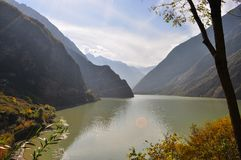 一个谷的一个湖在中国 库存图片