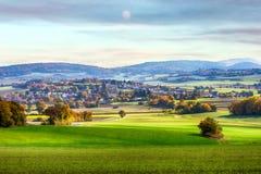 一个谷的小镇在巴伐利亚乡下 库存照片