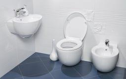 一个豪华卫生间的细节有水槽的 免版税库存图片