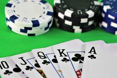 一个赌博娱乐场-模子,芯片的图象,赌博-有拷贝空间的 免版税库存照片