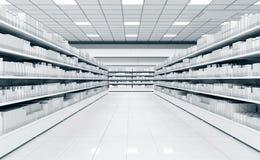 一个超级市场的内部有架子的物品的 库存照片