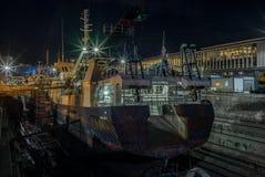 一个运输的庭院在开普敦在晚上 图库摄影