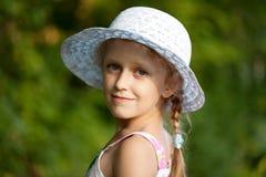 一个迷人的女孩的纵向 免版税库存图片