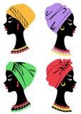 一个逗人喜爱的夫人的头的汇集 在一个非裔美国人的女孩的头上编织了披肩,头巾 妇女s外形是 库存例证