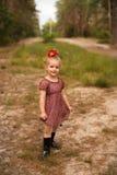 一个逗人喜爱的孩子的画象自然的 库存照片
