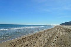 一个遥远的海滩 免版税库存图片