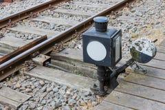 一个铁路开关的老控制设备 免版税库存照片