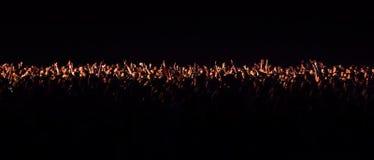 一个音乐会的观众在晚上 免版税图库摄影