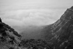 一个风景谷的风景在一多云天 免版税库存图片