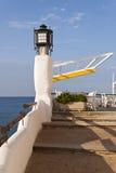一个餐馆酒吧的大阳台在前面的Sp的地中海 图库摄影