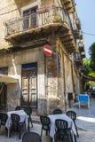 一个餐馆酒吧的大阳台在巴勒莫在西西里岛,意大利 库存图片