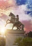 一个马和人,那不勒斯,意大利的雕塑 19世纪,雕刻家Clodt 免版税库存照片