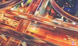 一个高速公路交叉点的鸟瞰图在大阪,日本 免版税库存图片