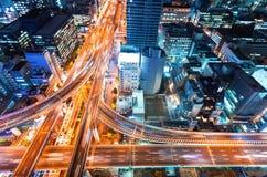 一个高速公路交叉点的鸟瞰图在大阪,日本 图库摄影