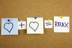 一个黄色稠粘的笔记柱子文字、说明、题字等式爱或者浪漫关系放松作为mathe被提出的概念 免版税库存照片