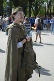 一个年轻人的画象军服的 免版税库存照片