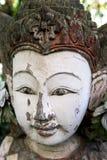 一个100年佛教寺庙女神的头 库存照片