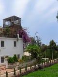 一个经典豪宅的垂直的看法在Barranco,利马 库存照片