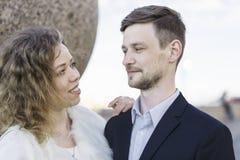 一个年轻夫妇特写镜头的画象 库存图片