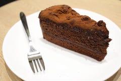 一个黑暗的巧克力蛋糕 库存图片