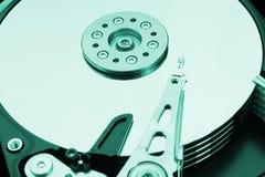 一个绿色硬盘驱动器是开放的 免版税库存图片