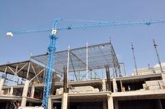 建造场所和起重机 免版税库存照片