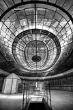 一个abanddoned能源厂的控制室 免版税库存图片