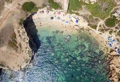 一个beautyful沙滩的鸟瞰图 免版税库存图片
