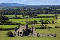 一个Hore修道院的废墟全景在Cashel,爱尔兰 它是一个被破坏的Cistercian修道院和著名地标在Tipperary 库存图片