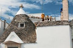 一个Trullo房子的屋顶在阿尔贝罗贝洛,普利亚,意大利 免版税图库摄影