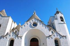 一个trullo教会在阿尔贝罗贝洛在普利亚-意大利 免版税库存图片