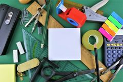 一些书桌器物的概念图象有拷贝空间的 库存照片