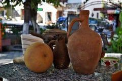 一些非常老被隔绝的石地球商品在家使用了在土耳其 免版税图库摄影