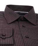 一件新的棕色细条纹布料的男式衬衫 库存照片