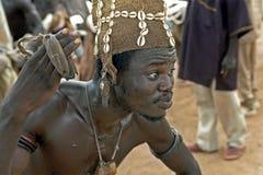 一位加纳的精神舞蹈家的特写镜头,僧人 图库摄影