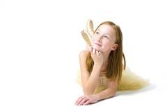 一位可爱的年轻芭蕾舞女演员的演播室画象 免版税库存照片