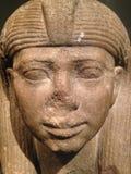 一位女王/王后或一位公主的雕象的头作为一个狮身人面象在大都会艺术博物馆 免版税库存照片