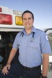 一位愉快的EMT医生的画象 库存图片