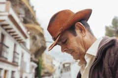 一位牛仔的画象一个美丽如画的村庄的Sp南部的  库存照片