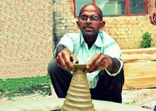 一位陶瓷工在印度 免版税库存照片
