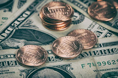 一分和美元 5000块背景票据货币模式卢布 库存图片