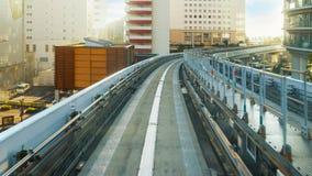 从一列Yurikamome火车的看法在Odaiba,东京,日本 免版税库存照片