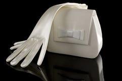 一副手套和钱包 免版税库存图片