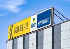 一副横幅与大型超级市场分支阿尔伯特的开放时间我 免版税库存图片