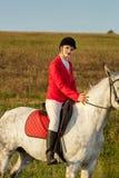 一匹红色马的女骑士 马术 赛跑俄国的高加索竞技场马北pyatigorsk 在马的车手 库存图片